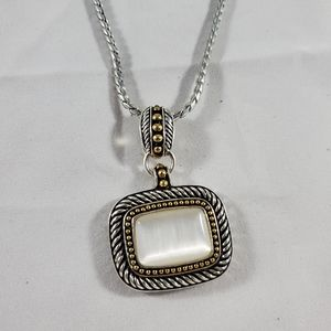 Avon vintage long mother of pearl necklace